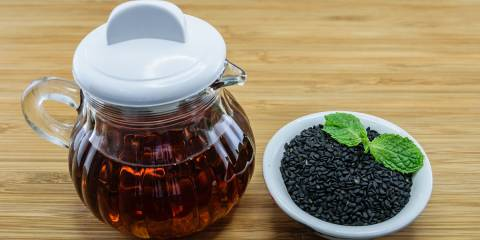 A dish of black seed oil for use in allergy relief