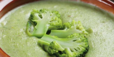A creamy bowl of broccoli soup