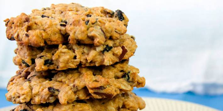Cookies with oatmeal cherries and pecans