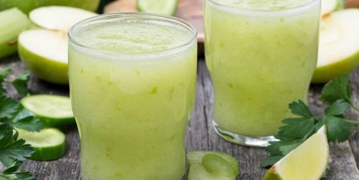 prepared Green Iguana Sparkle beverage.