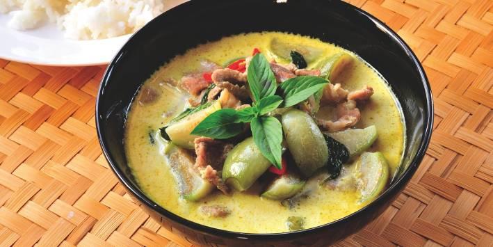 Green curry shiitake chicken