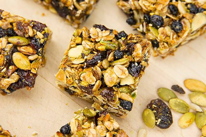 granola bars with berries and nuts