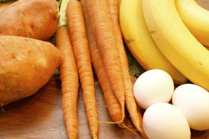 Fruits, veggies, and eggs from the paleo diet