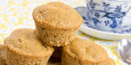 Fresh muffins with pineapple and ginger