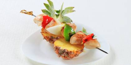 Skewers with Chicken and Fruit
