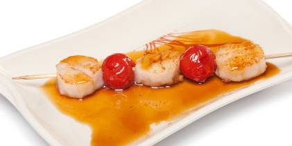 scallops and cherry tomatoes on a skewer